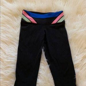Lulu (black waistband on inside) cropped leggings!